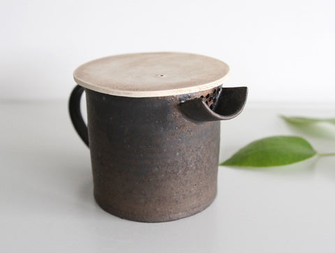 Spouted Pouring Jug by Takeshi Ohmura
