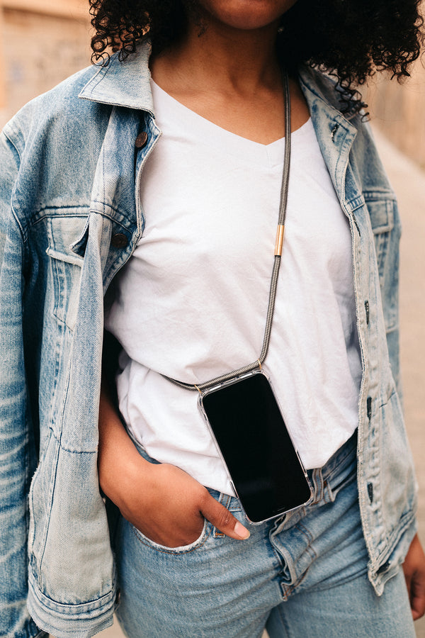 Lassoo Steel Grey Cord and maximum protection Case. Exchange the Cord on your smartphone lanyard to match any fashion outfit.