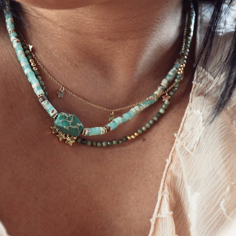 Collier en pierres fines