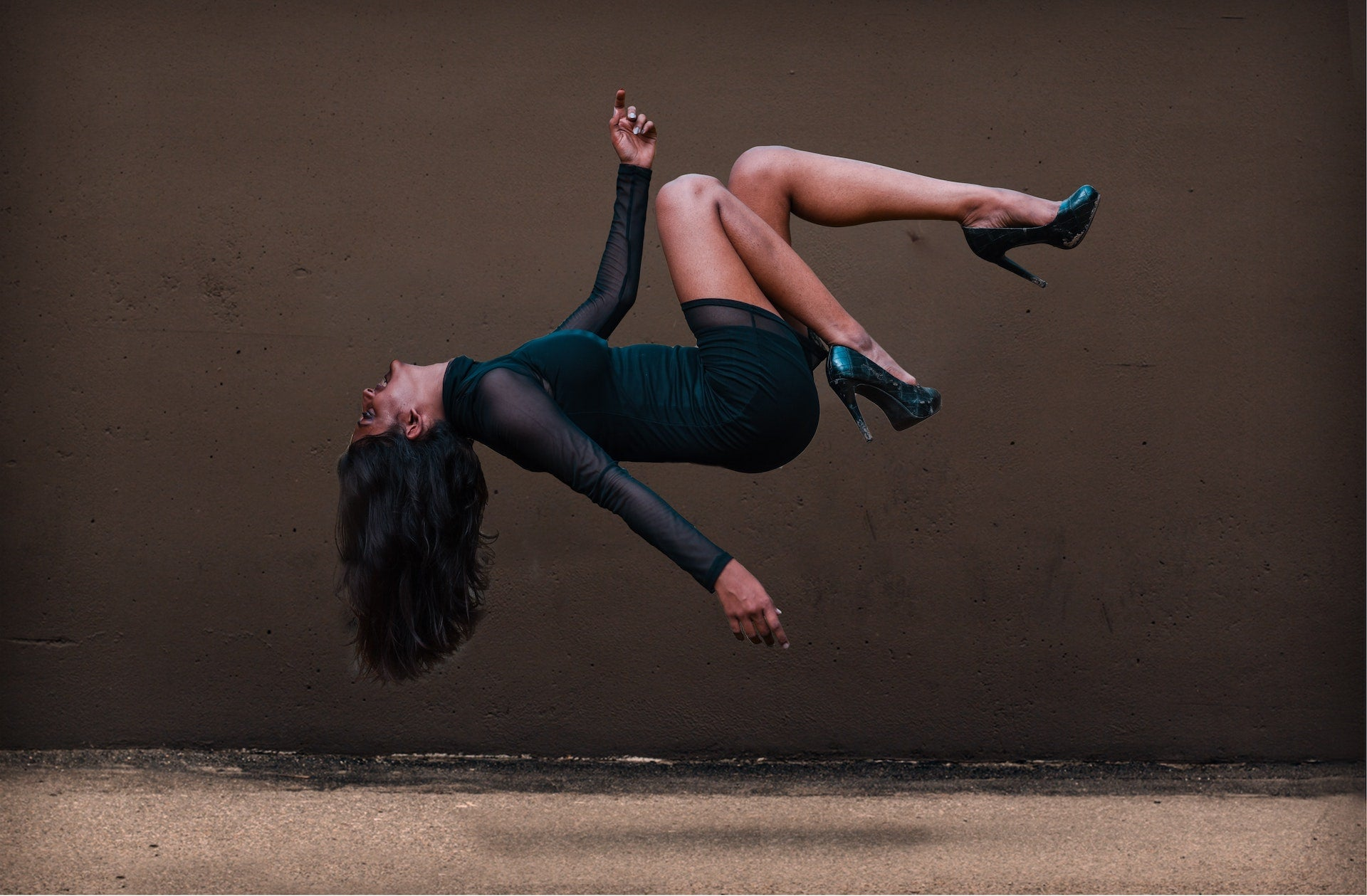 How to Do Levitation Photography without Using Photoshop