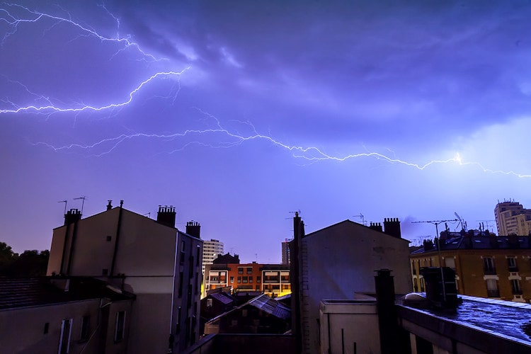 How to Take Lightning Strikes Photos in Daytime