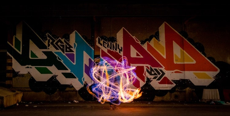 11 Tips to Create Incredible Light Graffiti Photos