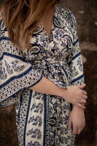bohemian dresses with knot tie on the front. boho Kimono