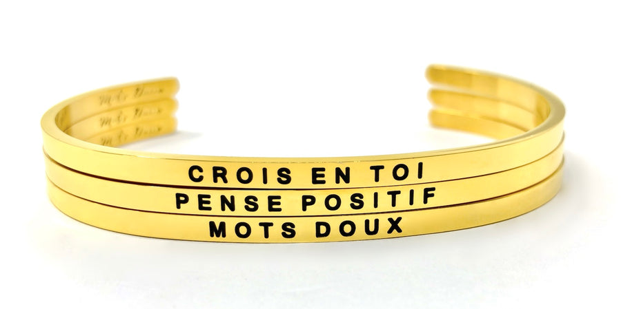 Inspirational French message bracelet, with Mots Doux, wear your French inspiration daily! Cute cuff reminder engraved with French words of positivity and encouragement. Minimalist, elegant bracelet promoting an optimism and positive lifestyle. Be different, be unique say it in French. CROIS EN TOI, BELIEVE IN YOURSELF. French mantra.THINK POSITIVE PENSE POSITIF.