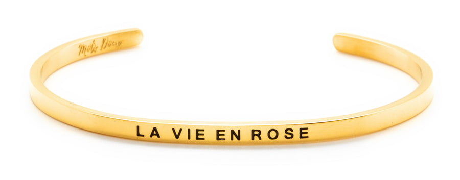 Inspirational French message bracelet, with Mots Doux, wear your French inspiration daily! Cute cuff reminder engraved with French words of positivity and encouragement. Minimalist, elegant bracelet promoting an optimism and positive lifestyle. Be different, be unique say it in French. CROIS EN TOI, BELIEVE IN YOURSELF. French mantra. LA TETE DANS LES ETOILES_THE HEAD IN THE CLOUDS_ LA VIE EN ROSE_LIFE IN PINK