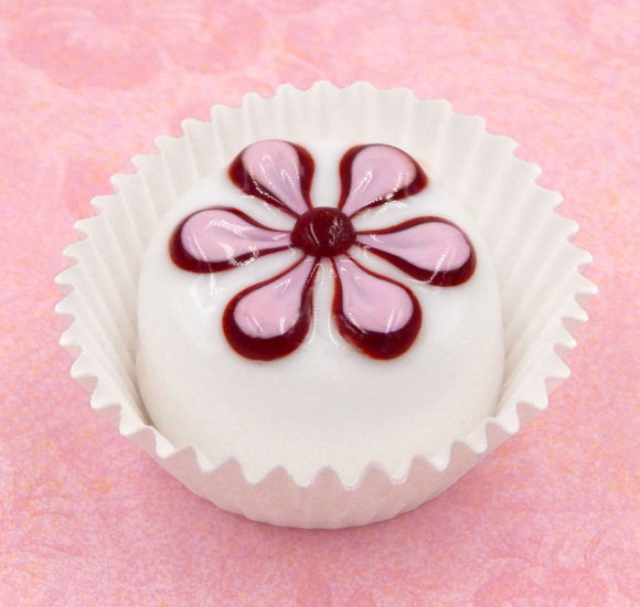 White Chocolate with Pansy Design