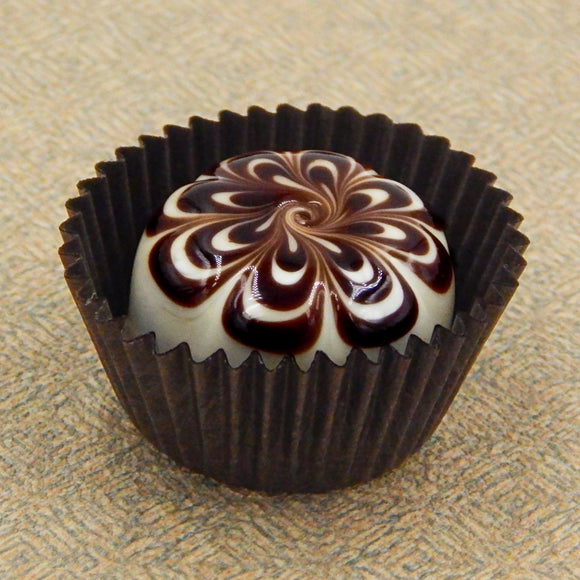 Vanilla Treat with Chocolate Design