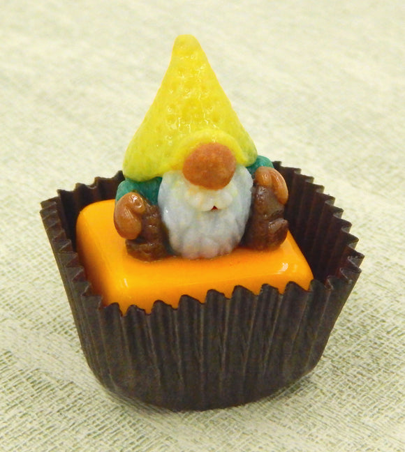 Gnome with Yellow Hat Petit Four