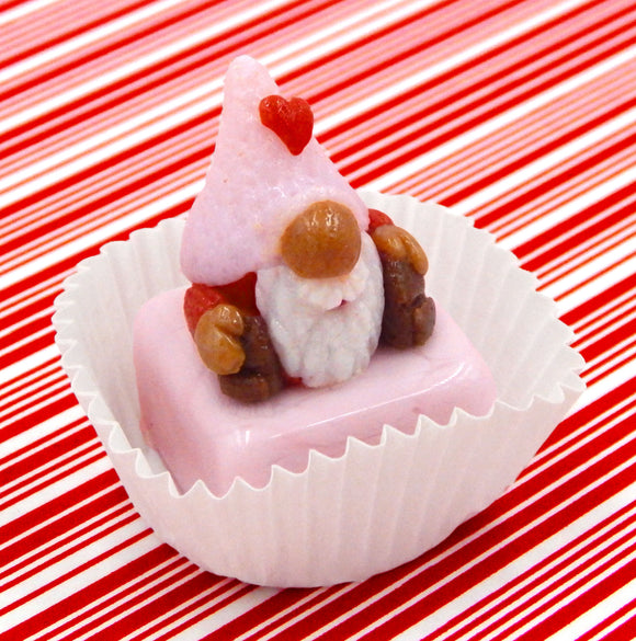 Valentine Gnome with Pink Hat Petit Four