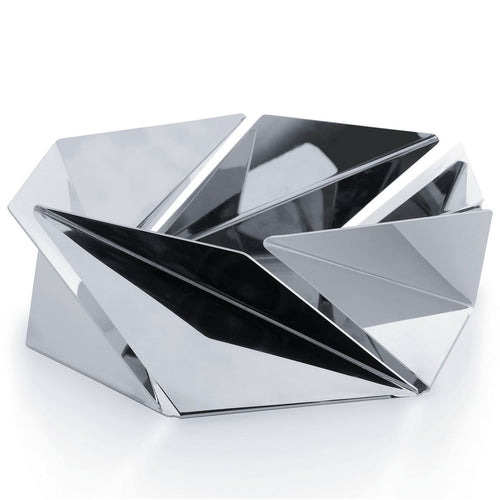 inspiration from the Japanese tradition of origami with the aim of reproducing the dynamism of folded paper in metal