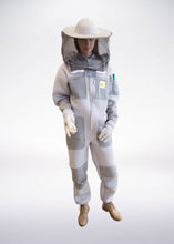 Load image into Gallery viewer, Ventilated beekeeping suit Goodyear PRO 3D - retro hat