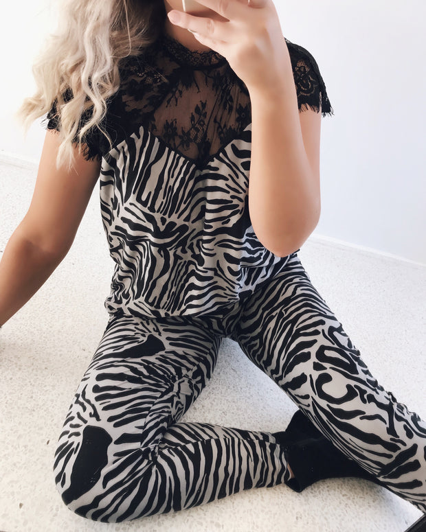 Alma jumpsuit black/grey
