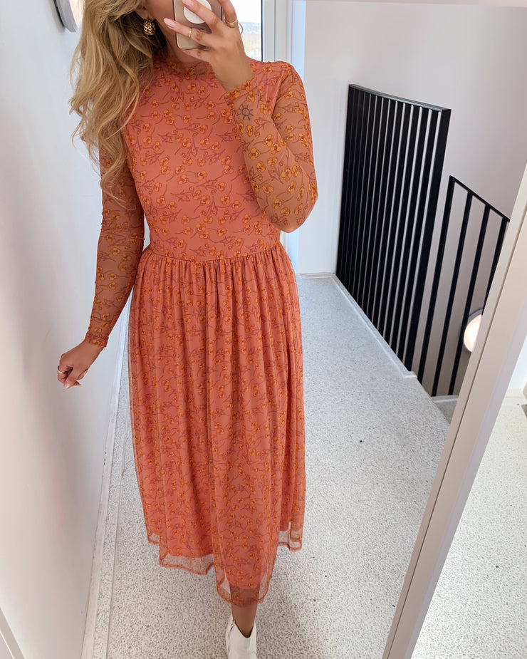 Vilja dress peach flower