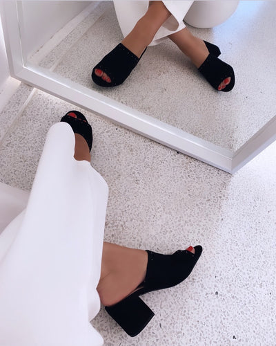Mule heeled sandal black