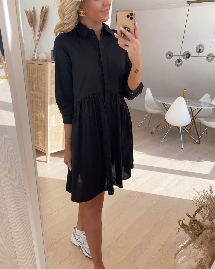 Maggie 3/4 short dress black