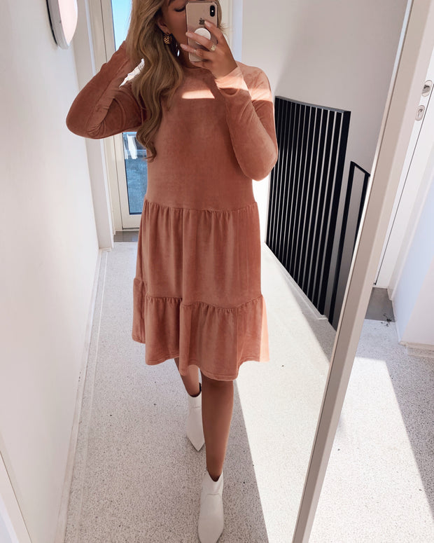 Ema dress light peach
