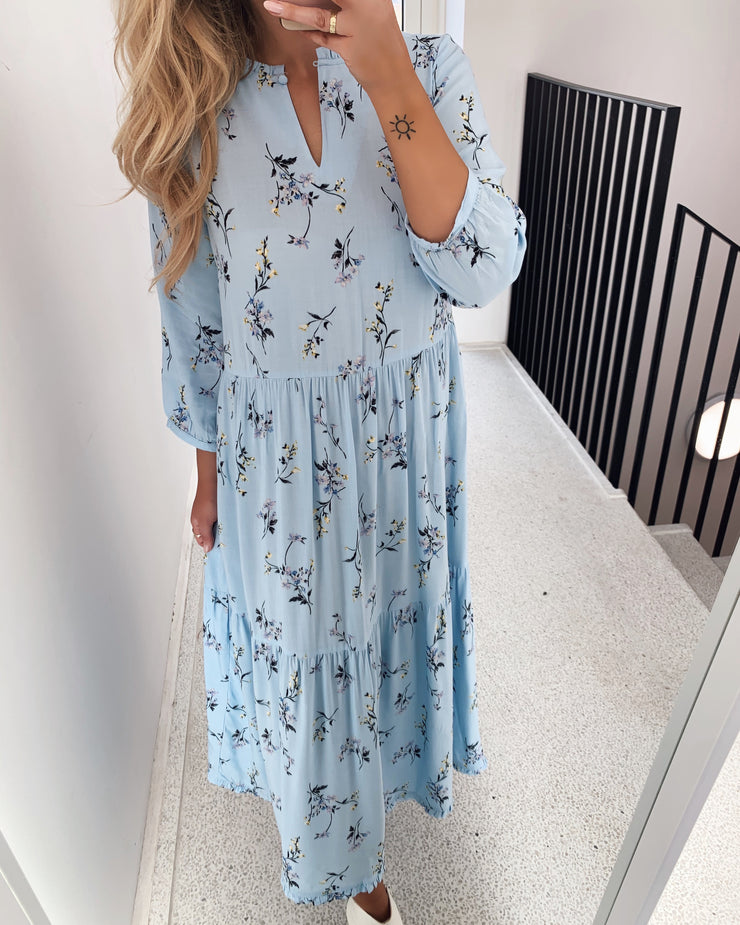 Pleana dress placid blue