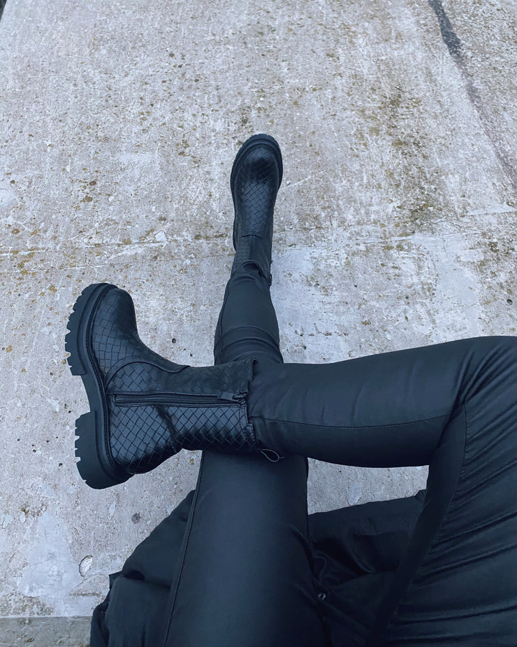 Ideal boots black
