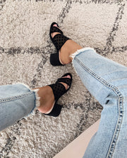 Heeled dot sandal black