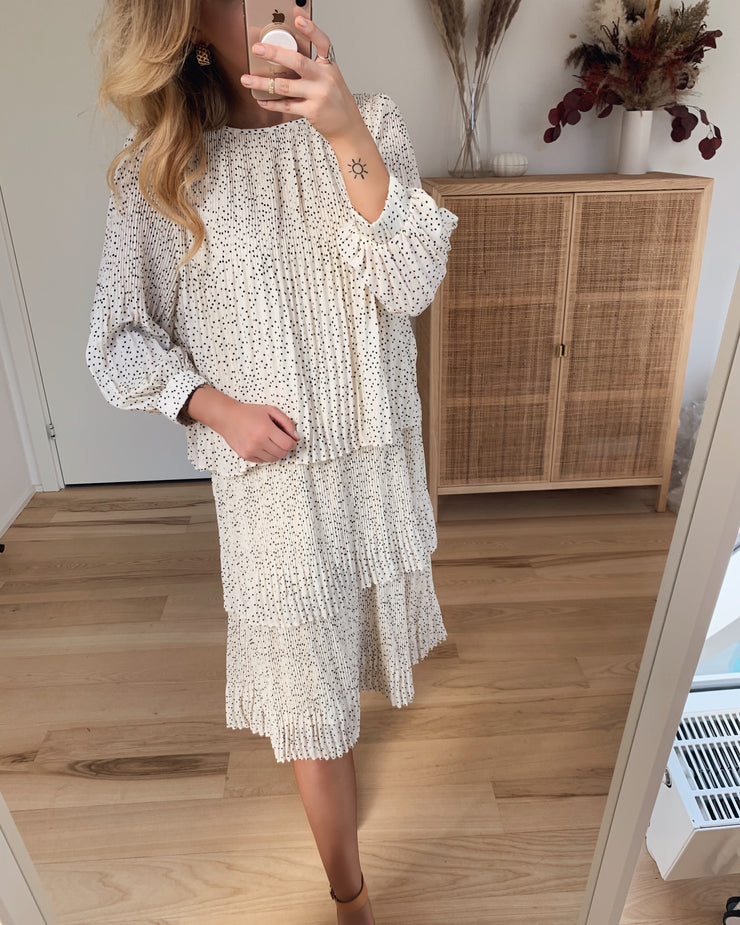Ilja dress white with black dots