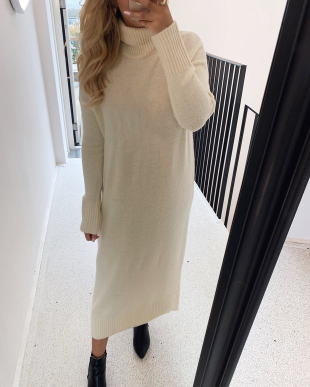 Tamille rollneck knit dress white