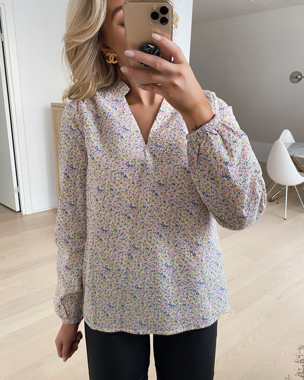 Vessi blouse pastel flower