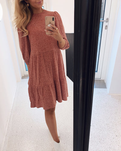 Vini puff dress blush mel