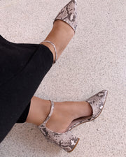 Pointed toe sandal snake