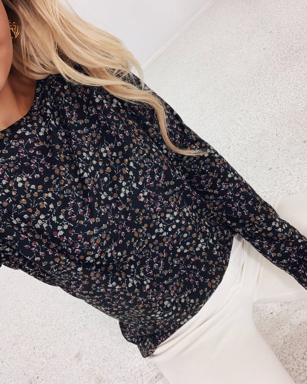 Vanna long sleeved blouse black/flower