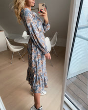 Vyda long sleeved dress light blue flower