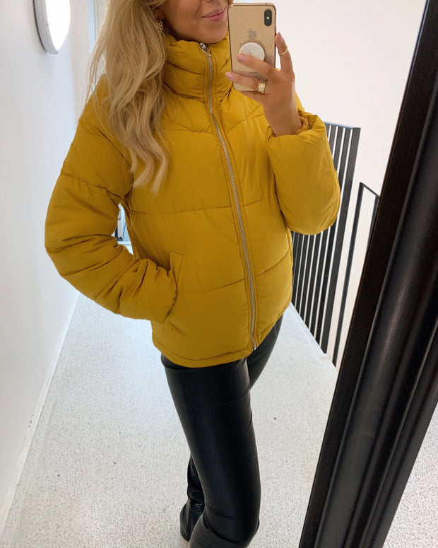 New York jacket yellow