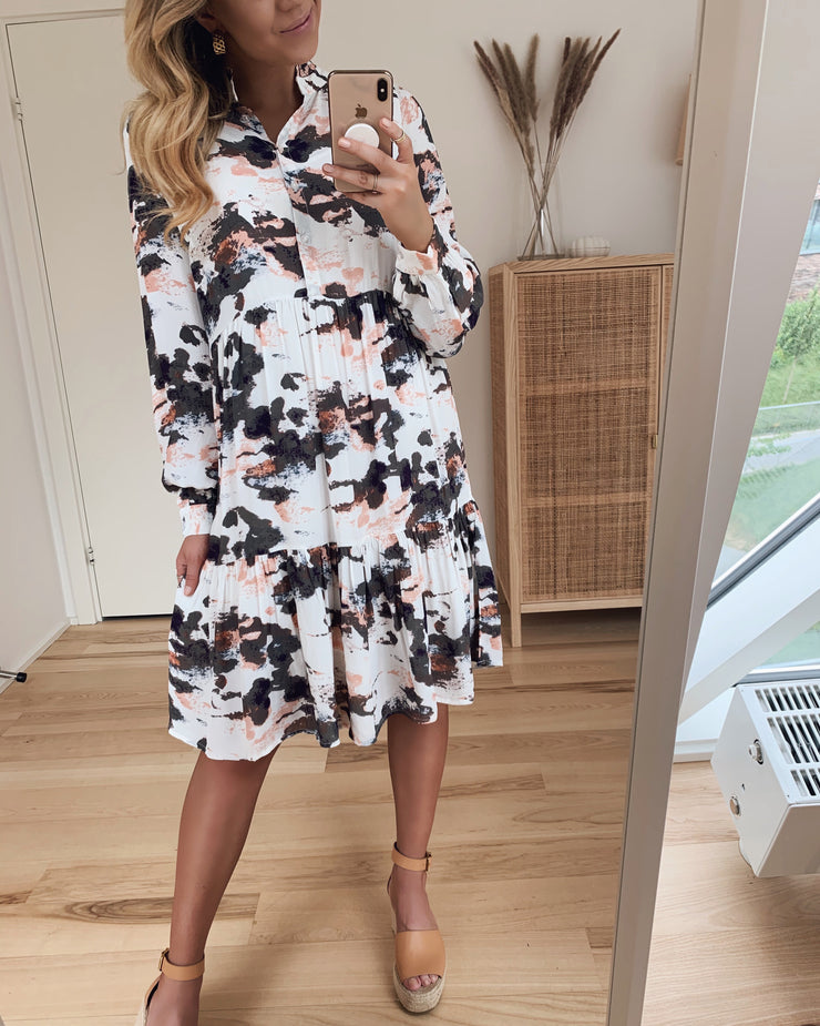 Marble carla long sleeved dress antique white