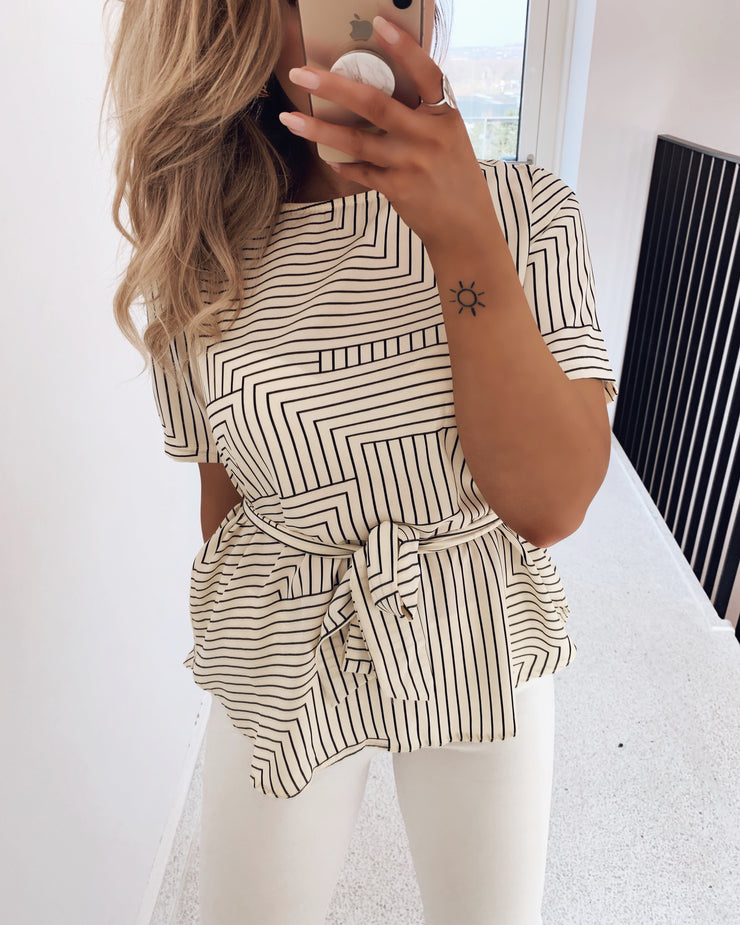Lucy cream/black blouse
