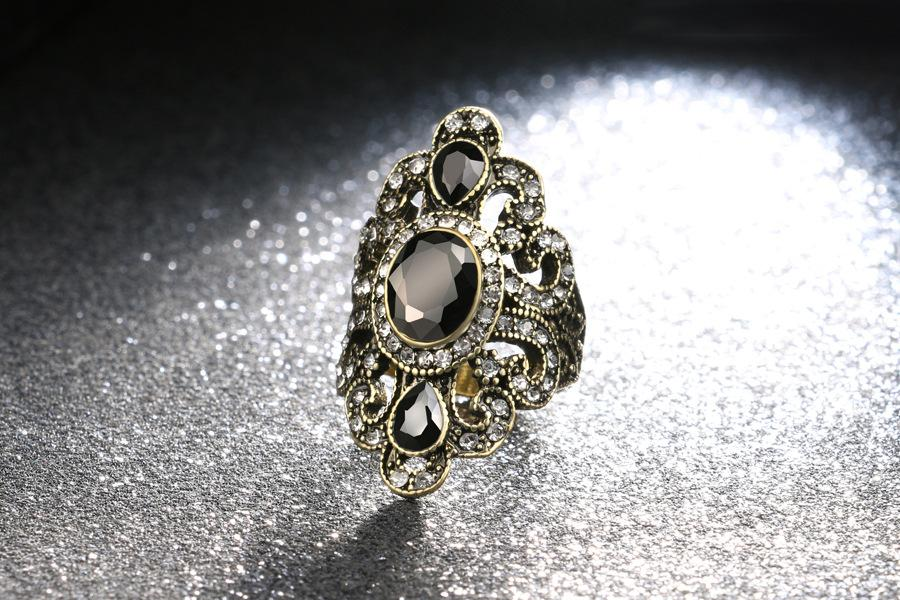 BRILLIANT ! 18K GOLD PLATED GERMAN SILVER RING