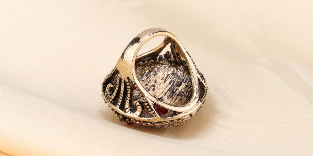 PRECIOUS ! 18K GOLD PLATED GERMAN SILVER RING
