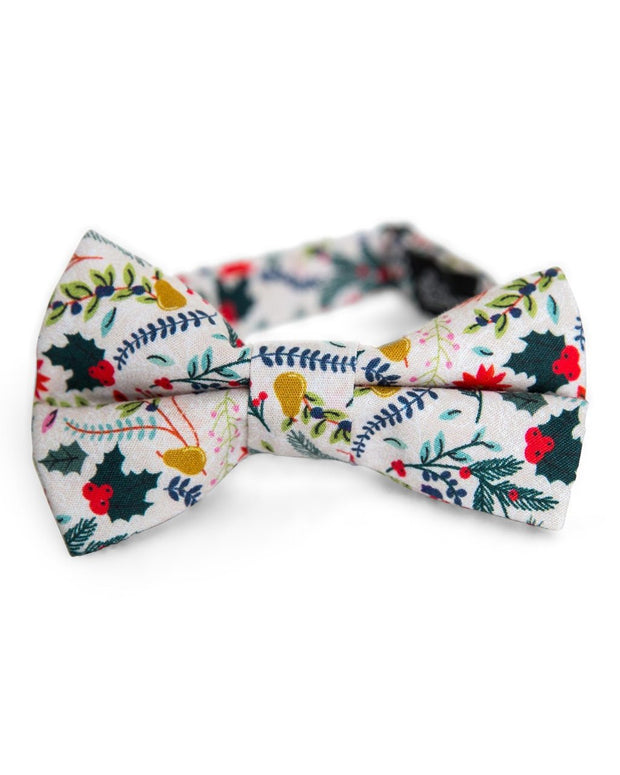 Winter Berry Floral Bow Tie (Boys and Men)