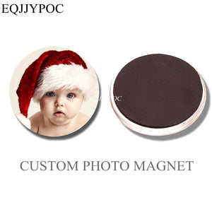 Round fridge magnet with personalised image