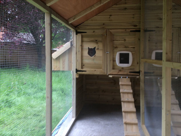 The Mountfield Two Bay Cat Kennel