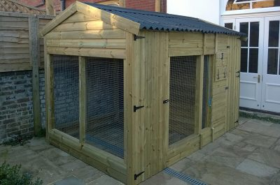 The Glenville Large Outdoor Dog Kennel – 8ft - Insulated