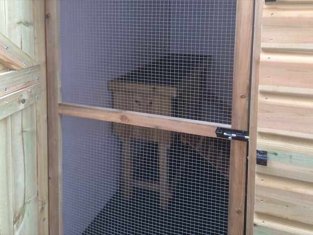 The Warren Lodge Rabbit Shed - With Balcony and Ramp