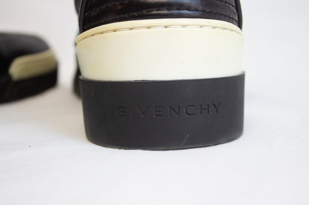 Givenchy Star Studded HighTops | Size 10