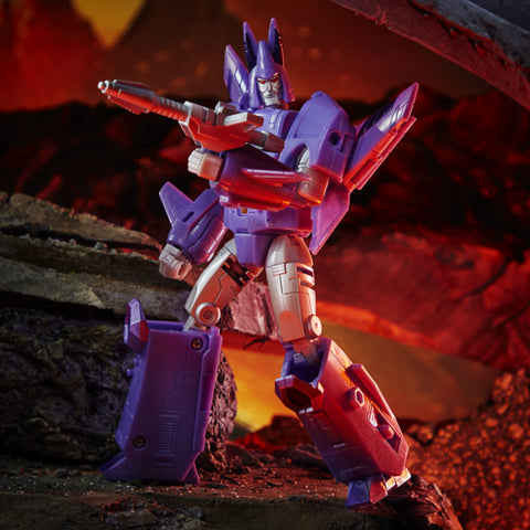 Transformers War for Cybertron Kingdom WFC-K9 Voyager Cyclonus Robot Toy accessory toy