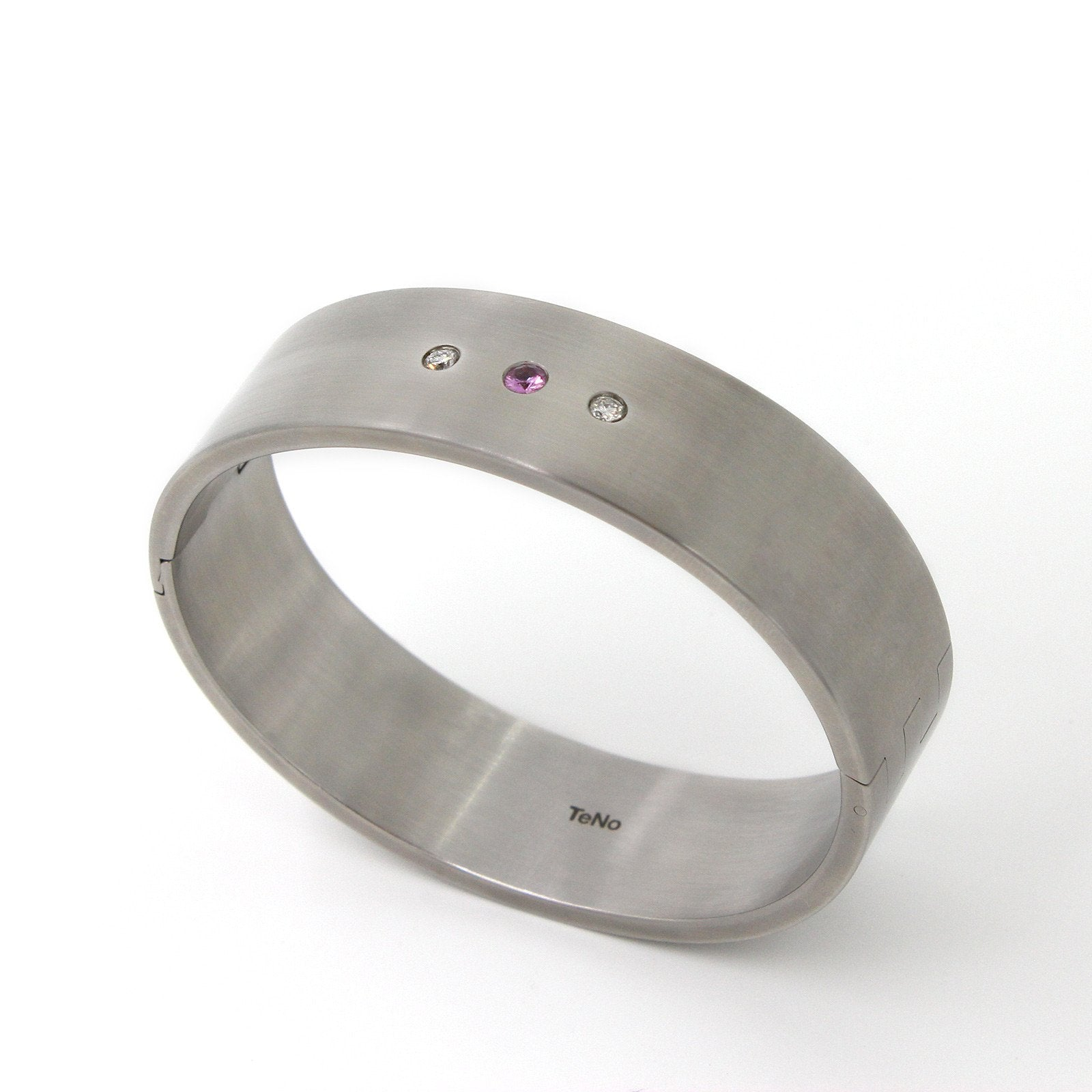 029.04s02sp TeNo Stainless Steel Bangle