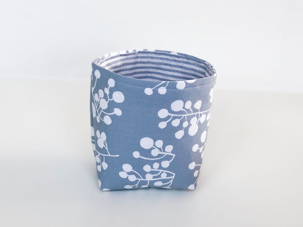 Littlest cloth basket - grey and white