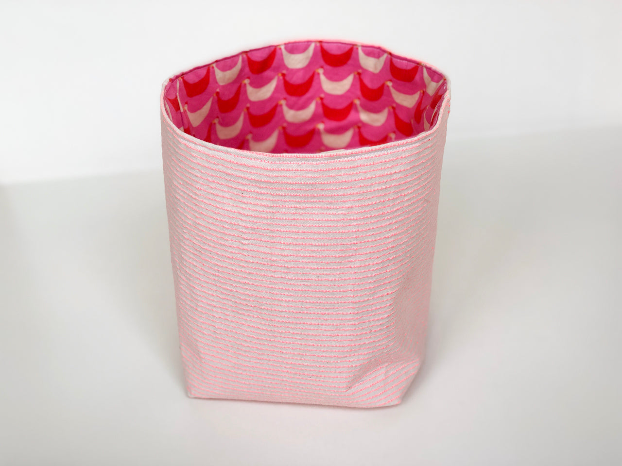 Large cloth basket - pink and white