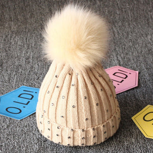 Cute Knitted Hat with Pompom | Baby Accessories | THE ESSENTIAL |