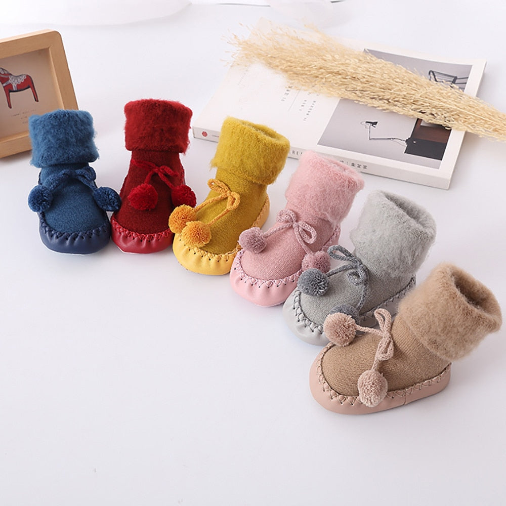 Anti-Slip Socks For Winter | Baby Accessories | THE ESSENTIAL |