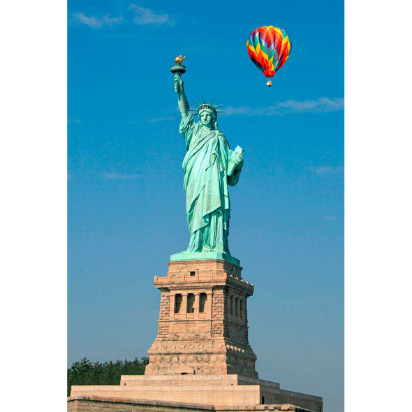 Statue of Liberty with Balloon - 3D Lenticular Postcard Greeting Card