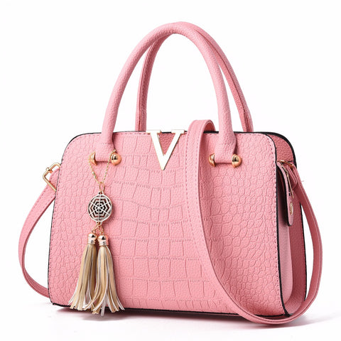 Luxury Fashionable PU Crocodile Pattern V Logo Handbag