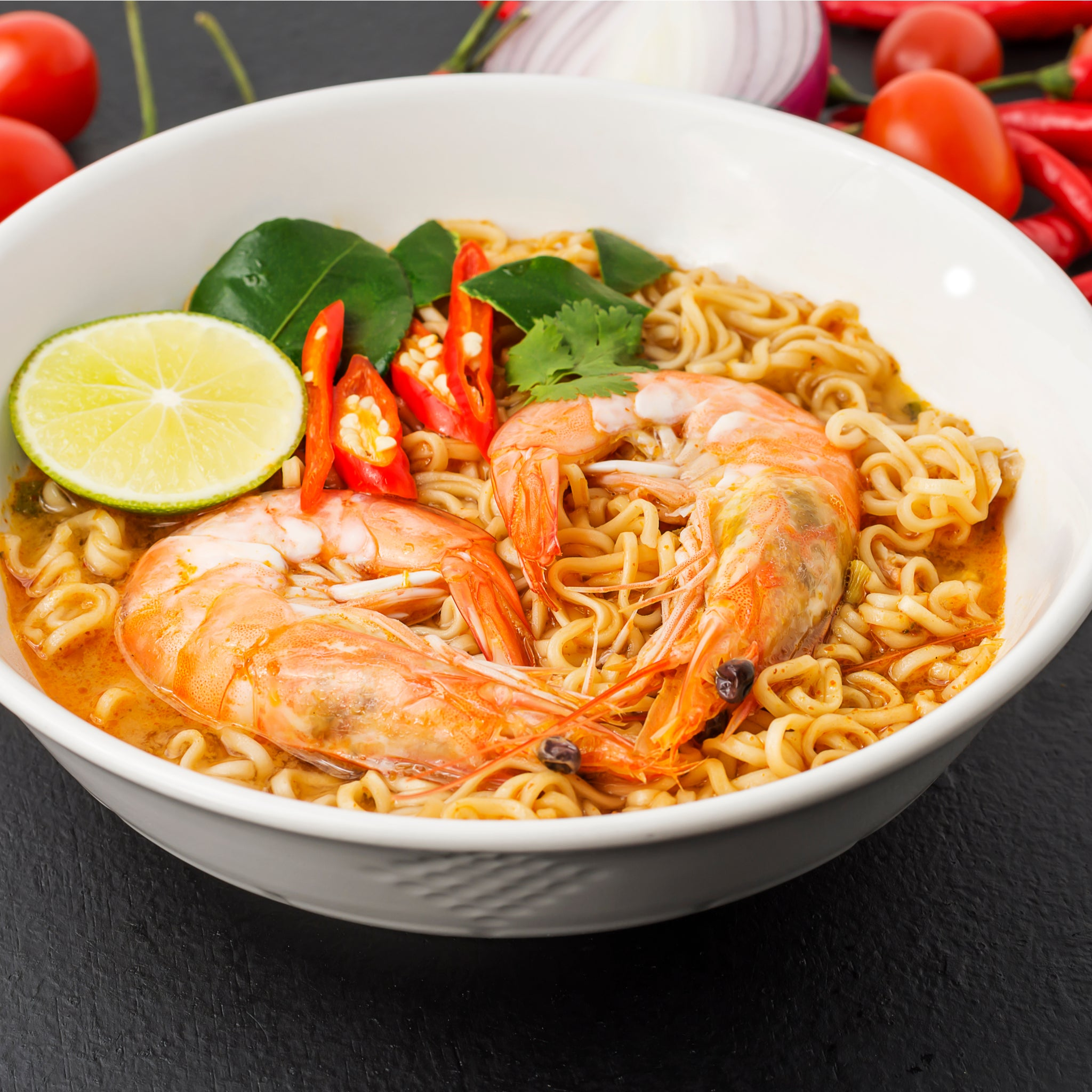 Korean udon hot and spicy instant noodles (90g) by Mama